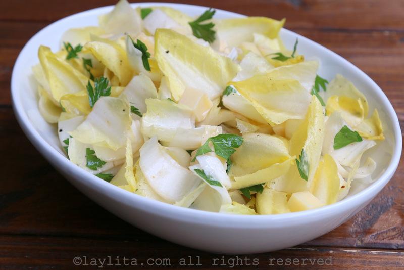 Salade d'endives au fromage