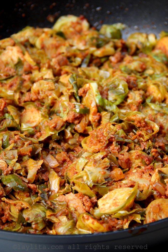 Choux de Bruxelles à la coriandre et saucisse chorizo