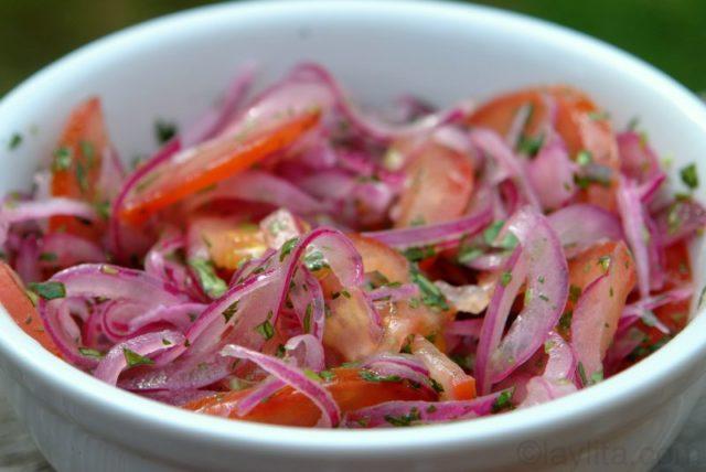 Salade oignons tomates sud américaine Curtido