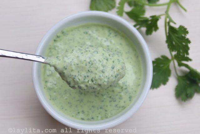 Sauce de yaourt au piment jalapeño et coriandre