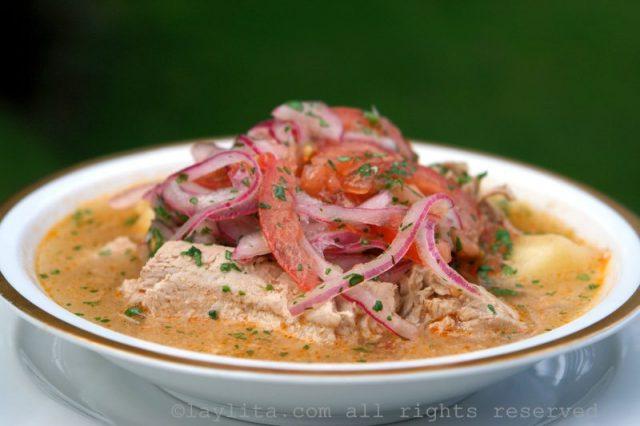 Encebollado, soupe de thon