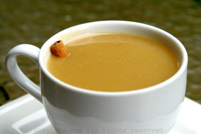 Boisson équatorienne d'avoine et narangille