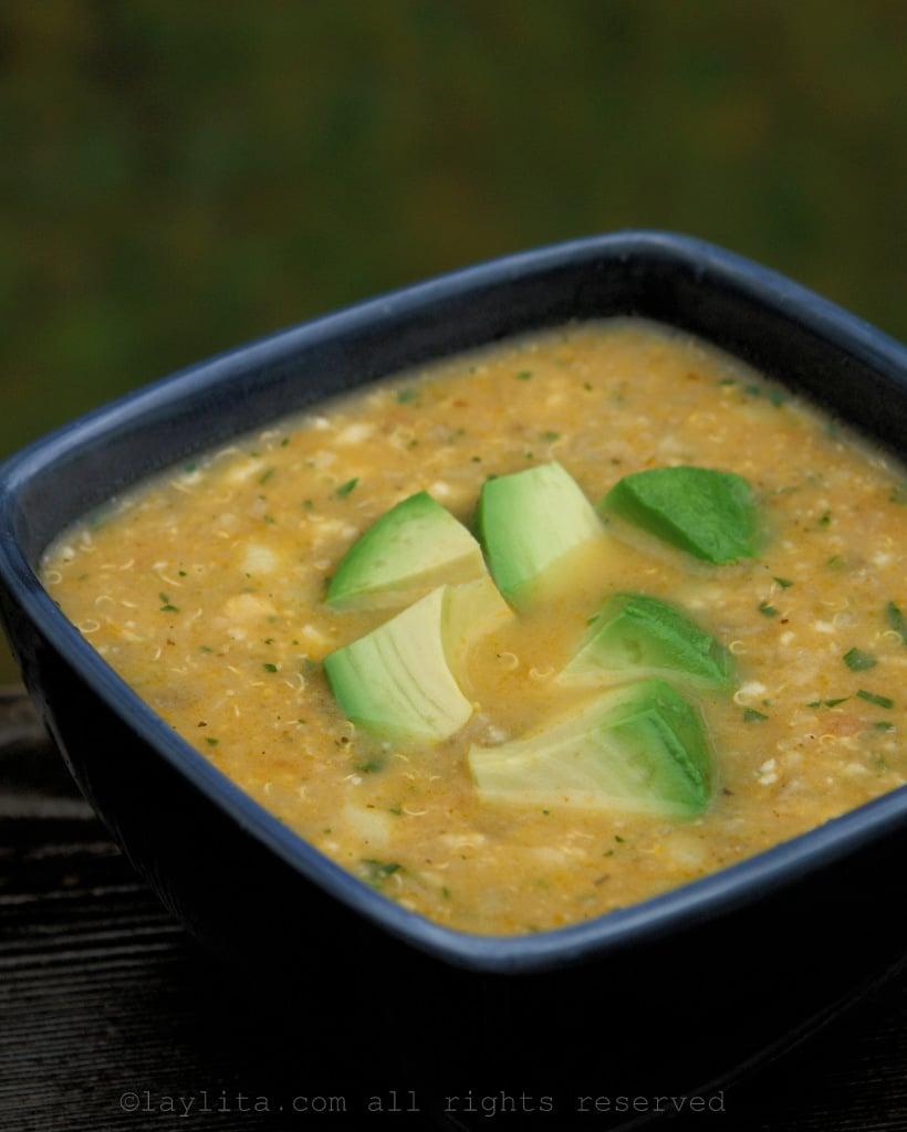Soupe de quinoa équatorienne traditionnelle