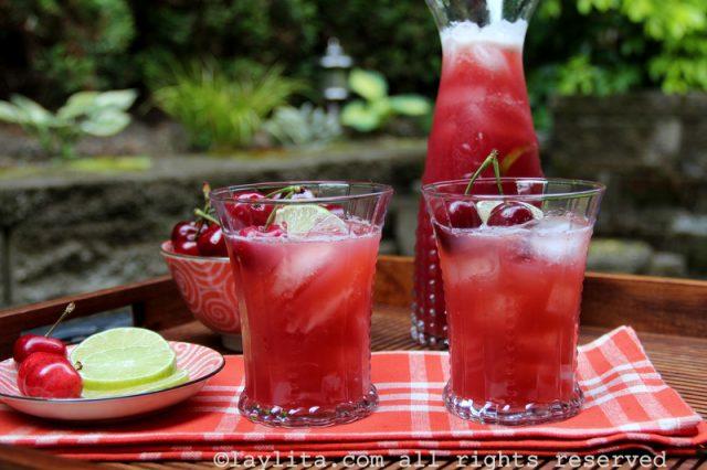Boisson cerises en limonade