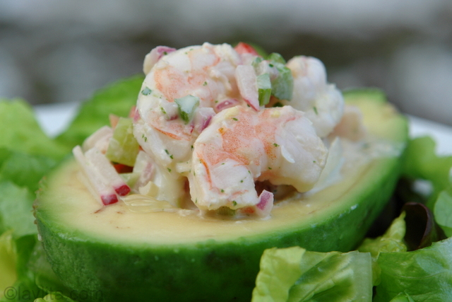 Shrimp stuffed avocado recipe or aguacate relleno con camarones