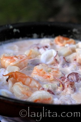 Creamy garlic white wine seafood sauce