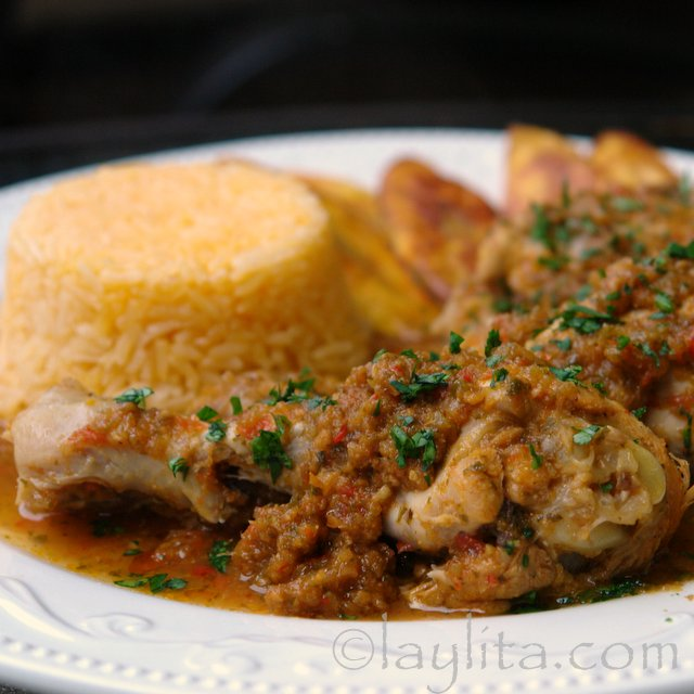 Seco de pollo or chicken stew