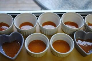 Preparação de Flan de Coco com Caramelo de Laranja