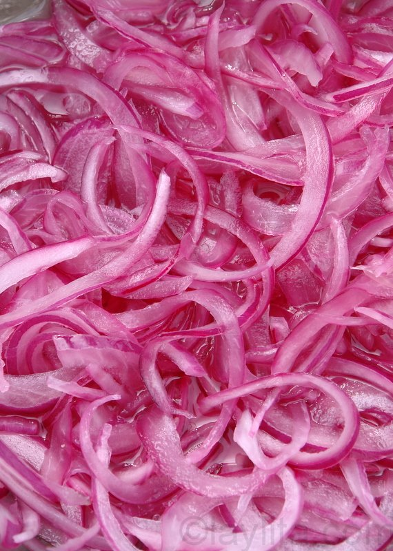 Cebollas curtidas or red pickled onions recipe