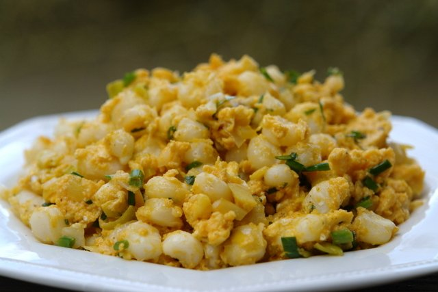 Recipe for mote pillo or hominy with eggs | Laylita's recipes