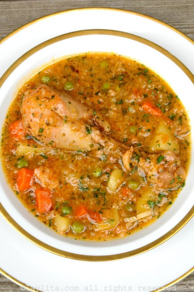 Ecuadorian chicken soup with rice