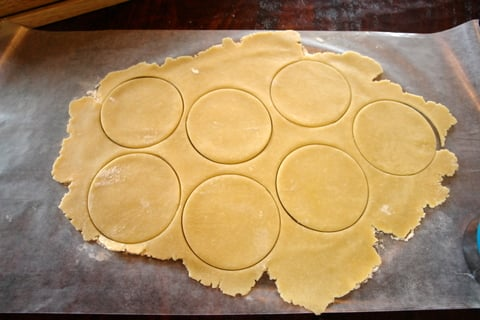 Step by step photos for the sweet empanada dough preparation: