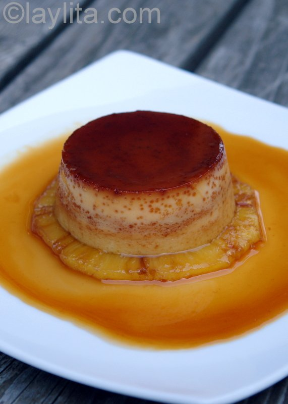 Pineapple flan or queso de piña