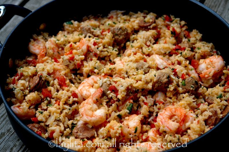 Rice with chorizo and shrimp {Arroz con chorizo y camarones}