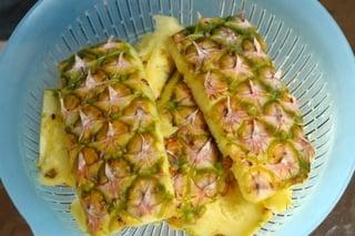 Préparation de la chicha à l'ananas - étape 1