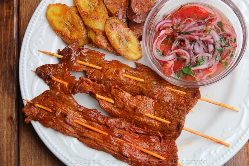 Ecuadorian beef skewers or carne en palito