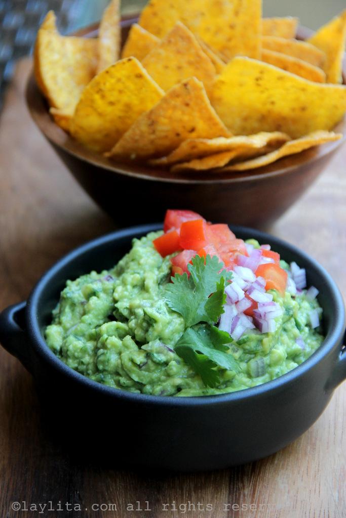 Easy recipe for homemade guacamole