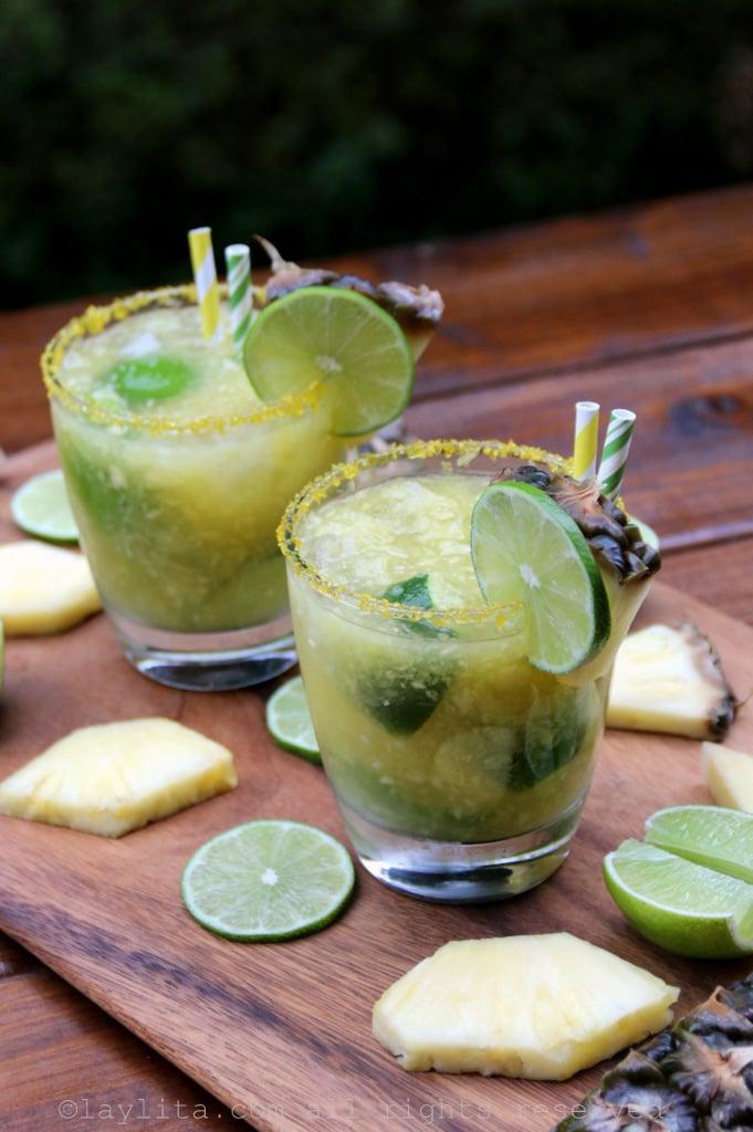 Caïpirinhas brésiliennes à l'ananas