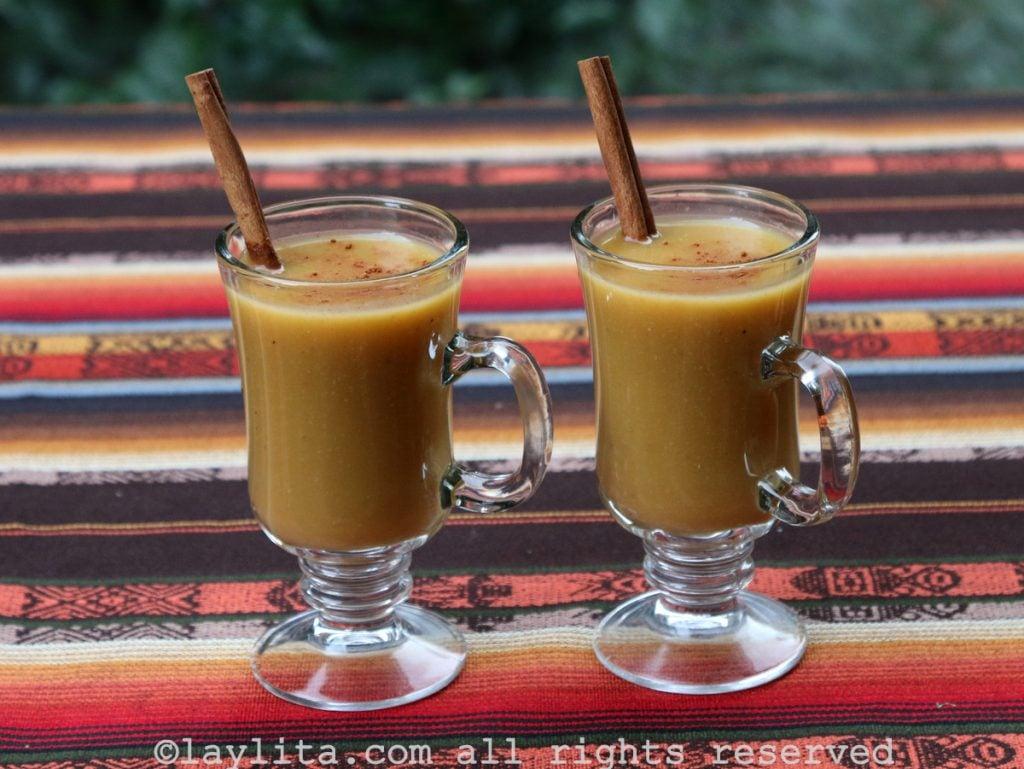 Ecuadorian oatmeal drink or colada de avena