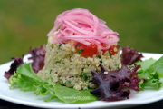 Quinoa salad with pickled onions or ensalada de quinoa