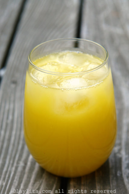Jugo de piña or homemade pineapple juice
