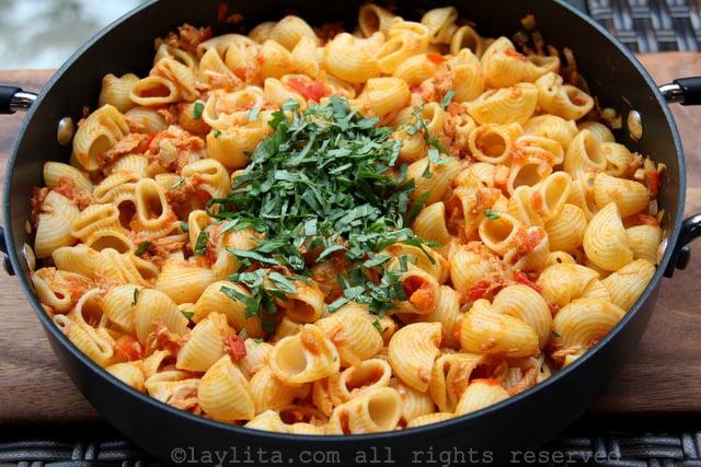 Tuna tomato pastas
