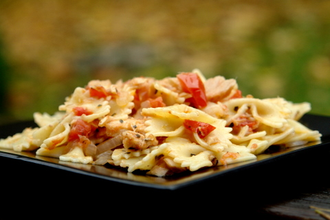 Pastas in tomato and tuna sauce