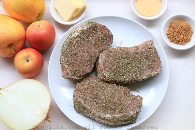 Ingredients for seared pork chops with apples