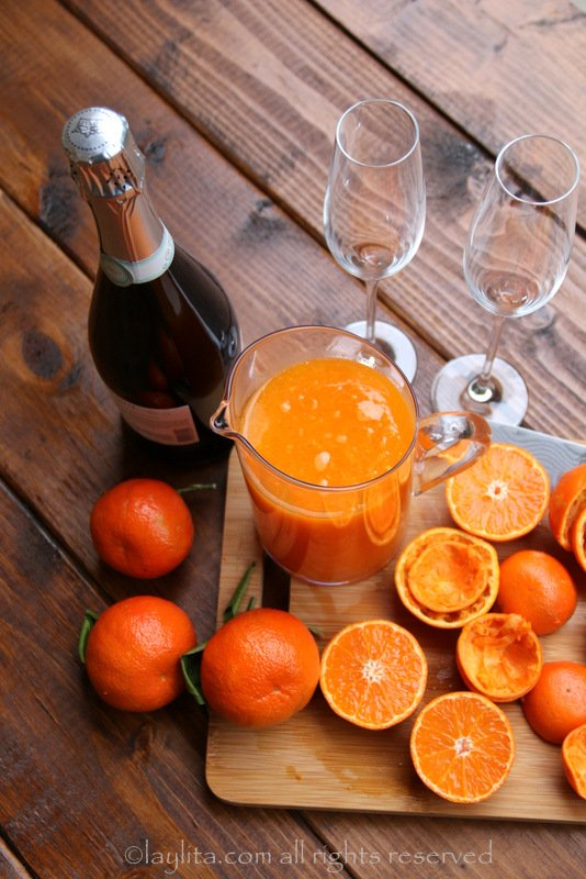 Mandarin bubbly cocktails