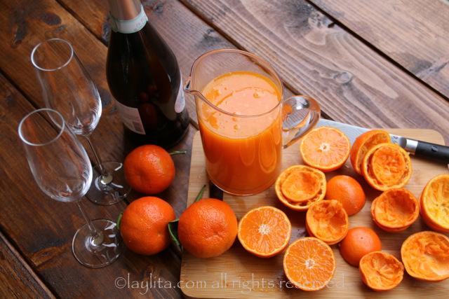 Mandarin or tangerine mimosas