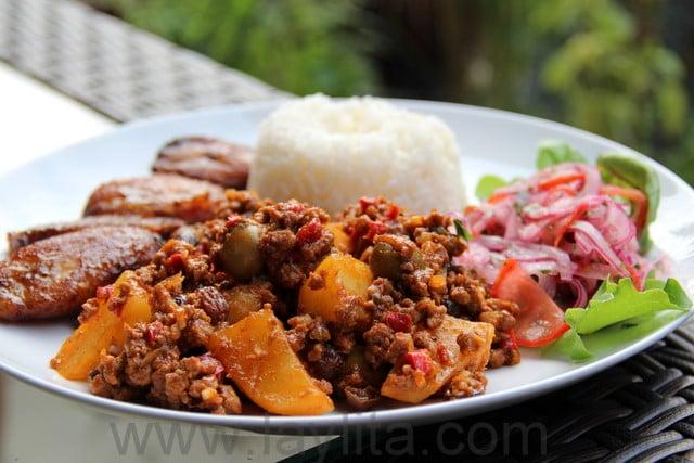 Picadinho cubano de carne moída