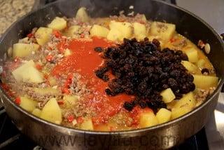 Preparação para picadinho cubano de carne moída