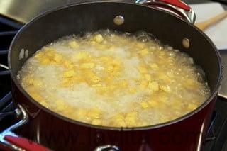 Comment préparer une soupe de bananes vertes 7