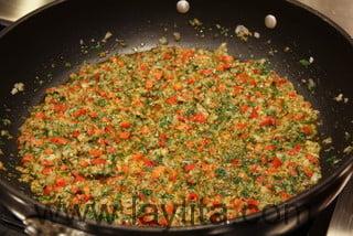 Préparation du riz aux fruits de mer 4