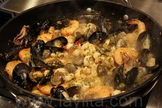 Préparation du riz aux fruits de mer 7