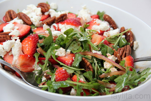 Strawberry goat cheese arugula salad recipe