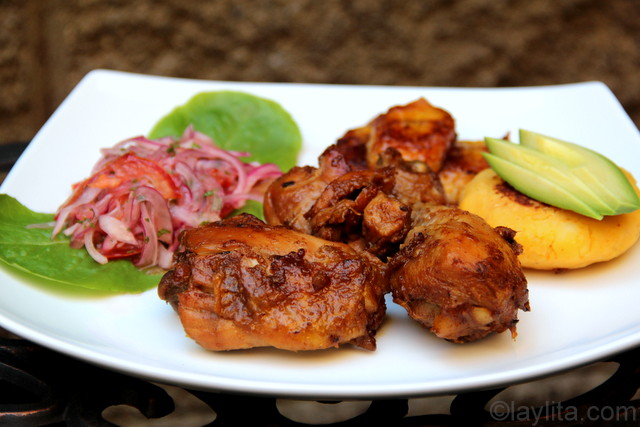 Chicken fritada with llapingachos