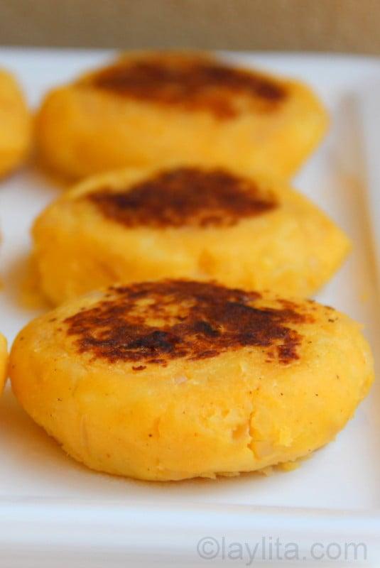 Llapingachos as a side dish for fritada