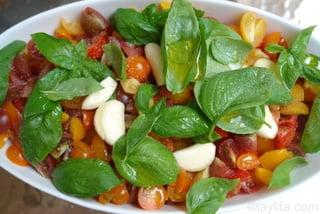 Préparation de la bruschetta de tomates 3