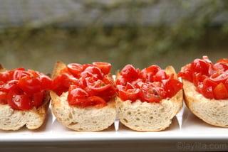 Préparation de la bruschetta de tomates 8