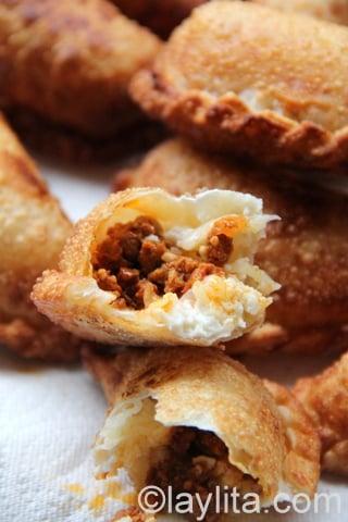 Choriqueso empanada recipe