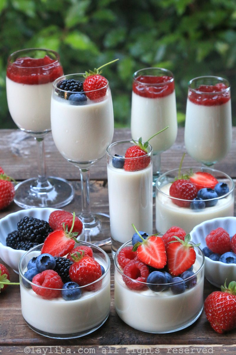 Italian pannacotta with berries