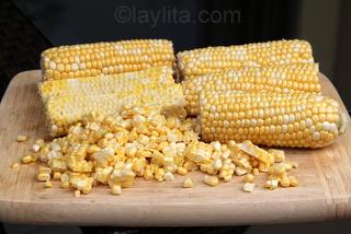 Fresh corn for pastel de choclo