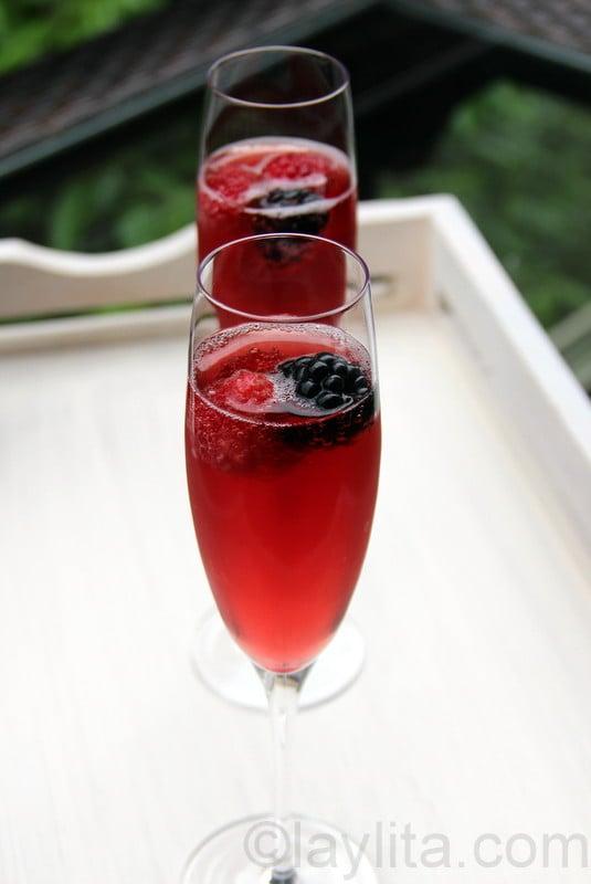 Recette du kir avec champagne et fruits