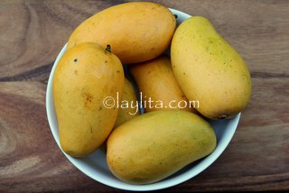 Mangos to prepare margaritas