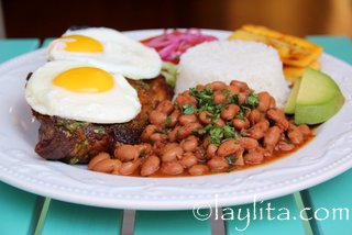 Add an egg to the grilled steak for a churrasco style meal
