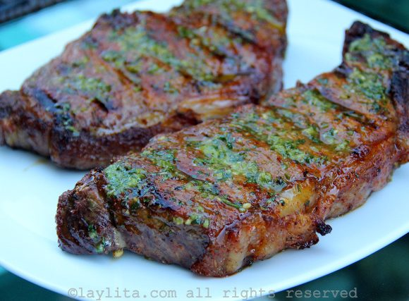 Achiote and beer marinated grilled steak {Bistec asado}