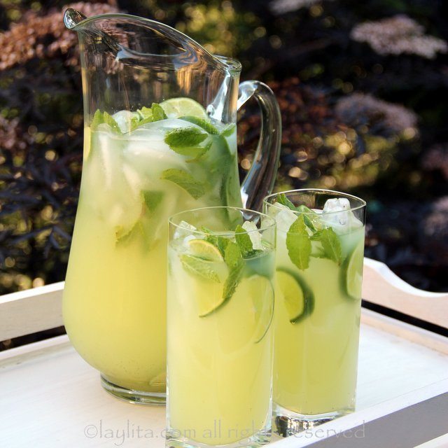 vodka mint lemonade or limeade laylita 39 s recipes. Black Bedroom Furniture Sets. Home Design Ideas