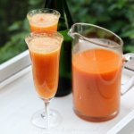 Peach bellini cocktail recipe