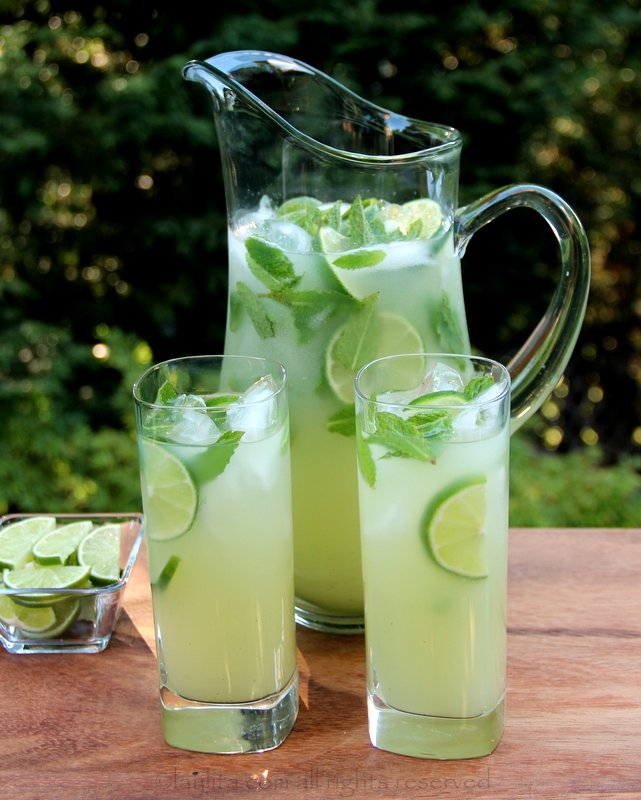 Lemon-Limeade with fresh mint | Israeli Juice | Recipe | Mint, Fresh ...